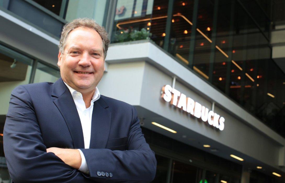 """แฟนคลับ """"สตาร์บัคส์ มีเฮ !!  เปิด  แฟลกชิพสโตร์ใหญ่ที่สุดในประเทศไทย"""