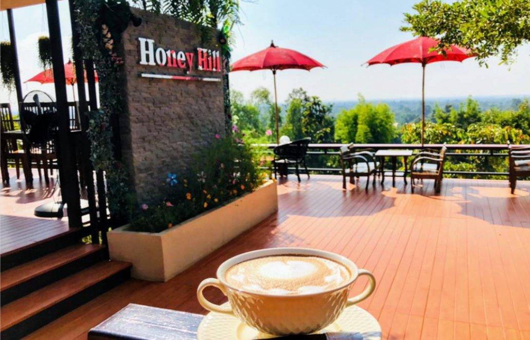 """ฟินเวอร์ จิบกาแฟ ชมวิวสวย บนยอดเขา """"Honey Hill coffee&food;"""""""