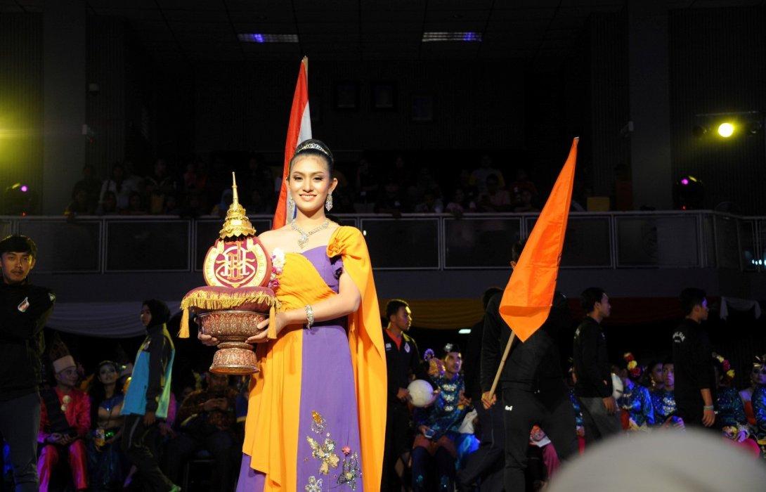 """ม.วลัยลักษณ์ รับธงเป็นเจ้าภาพจัดงาน """"IMT-GT Varsity Carnival"""" ครั้งที่21"""