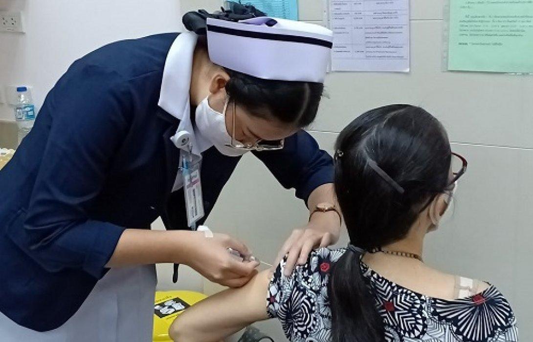 """ชู""""สกุลดีสหคลินิก"""" ฉีดวัคซีนไข้หวัดใหญ่ฟรีคลุมกลุ่มเป้าหมาย 100%"""