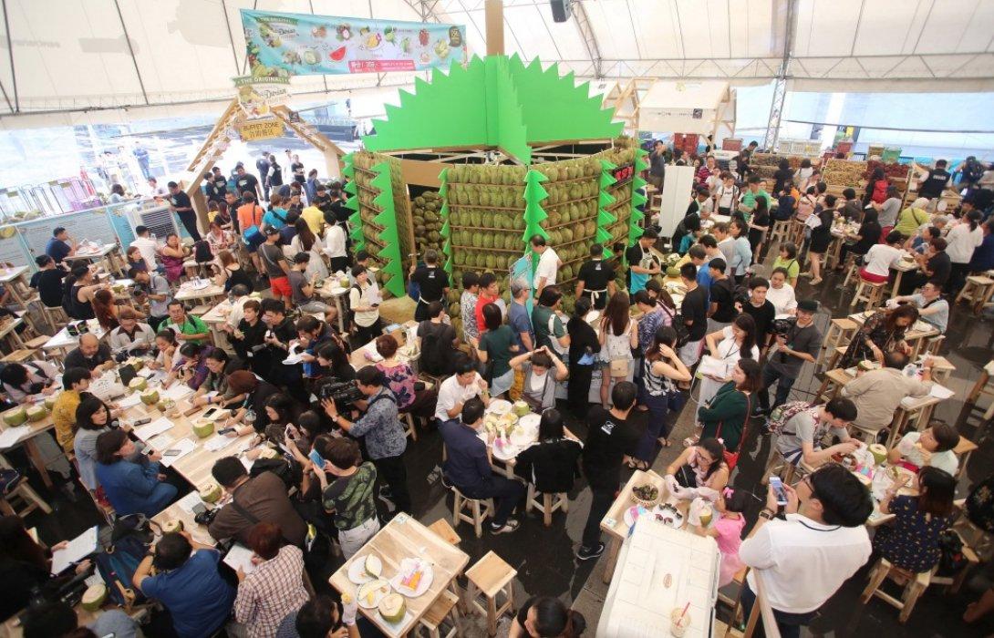 กระทรวงพาณิชย์ ผนึกกำลัง ท็อปส์จัดเทศกาลบุฟเฟ่ต์ทุเรียนและสุดยอดผลไม้ไทยดันไทยเป็นมหานครผลไม้เมืองร้อน