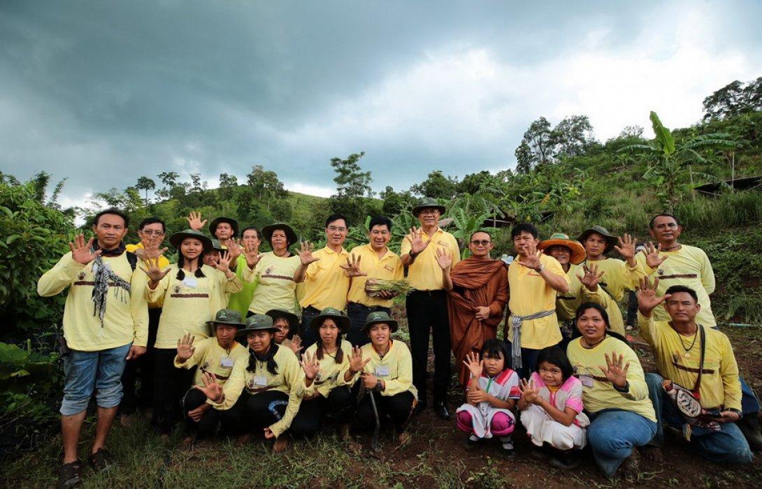 """""""บางจาก"""" ผนึกพันธมิตร ชู โครงการ """"หยุดการชะล้างพังทลายของดินด้วยศาสตร์พระราชา"""" ช่วยแก้ปัญหาคุณภาพดิน เพื่อฟื้นฟูพื้นที่สีเขียวให้เกษตรกร"""