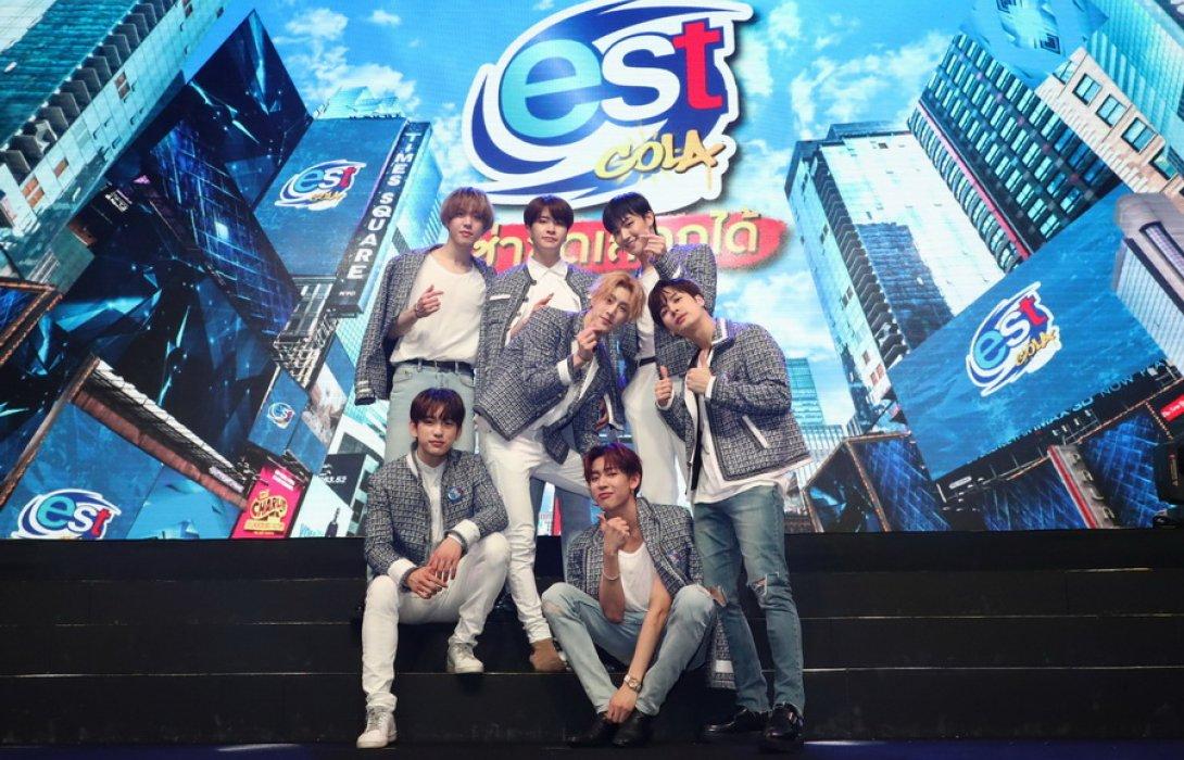 """เก็บตก !! ภาพบรรยากาศสุดฟินบาดใจอากาเซ่ไทย  7  หนุ่ม GOT 7  บินลัดฟ้ามาไทยคว้าพรีเซ็นเตอร์ """"เอส"""" ปีที่ 3"""