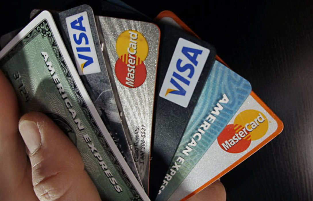 หลีกเลี่ยง 5 พฤติกรรมชวนกระเป๋าฉีก....ด้วยการออมเงิน
