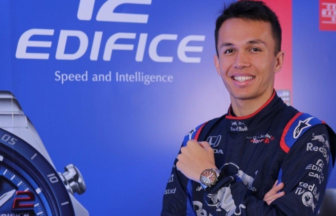 """CASIOเปิดตัวนักแข่งFORMULA 1""""อเล็กซานเดอร์ อัลบอน อังศุสิงห์""""เป็นแบรนด์แอมบาสเดอร์ EDIFICE"""
