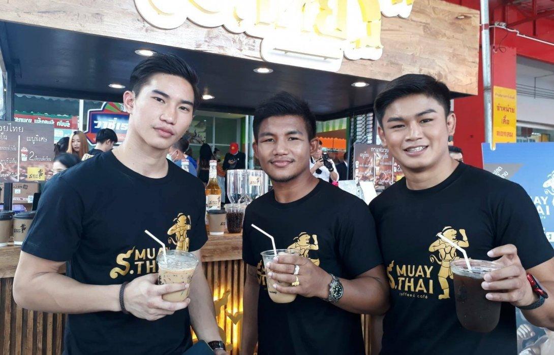 'บิ๊กหมาน'สมาน บุญยอ เปิดกาแฟ'ส.มวยไทย'เซ็น'3 ยอดมวย'เป็นพรีเซ็นเตอร์