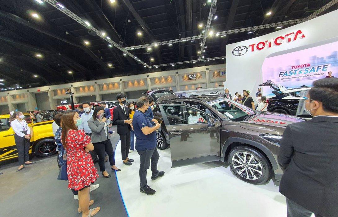COROLLA CROSS ฝ่าวิกฤต COVID-19 ยอดจองในงาน  Motor Show 2020 ทะลุกว่า400คัน