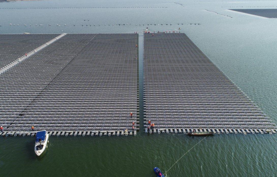 กฟผ. หนุนเทรนด์พลังงานสะอาดโลกเต็มที่เตรียมจ่ายไฟจากโซลาร์ลอยน้ำไฮบริดพลังน้ำเขื่อนสิรินธร ตุลาคมนี้