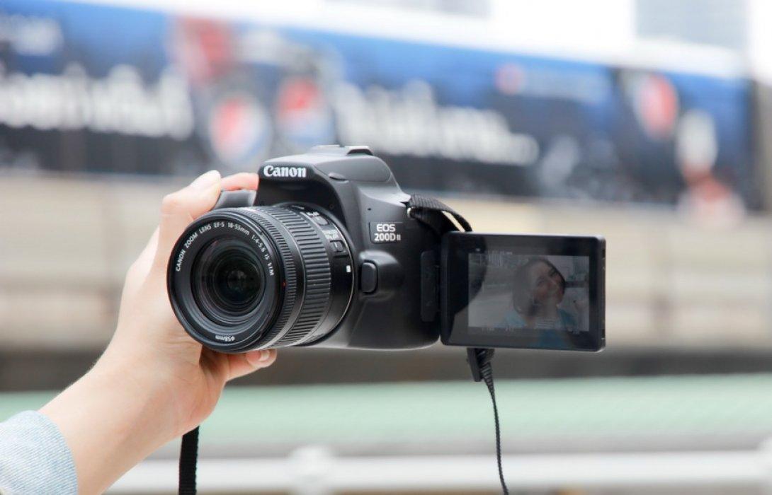 ใหม่!! EOS 200D II กล้อง DSLR ตัวเล็กสุด เบาสุด